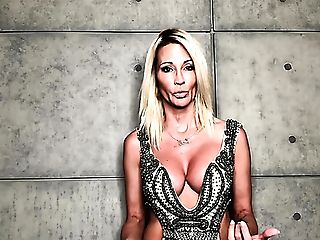 Attractive Huge-chested Blonde Cougar Jessica Drake And Her Backstage Interview