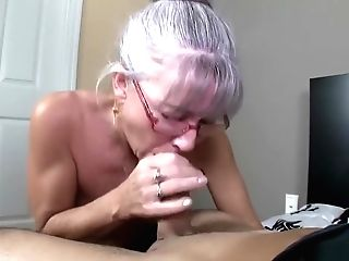 Horny Matures Woman With Glasses Takes A Big Pipe Deep Down Her Facehole