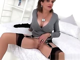 Auntie Sonia Wants You To Spread Her Lips And Eat Her Cunt