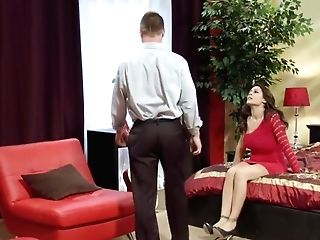 Raylene Treats Her Bf With Screwable Cougar Butt