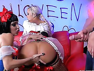 Costume Play Big-boobed Whore Jessica Jaymes Perceives Nice About Railing Dirty Salami