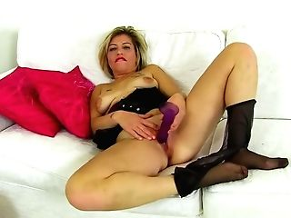 Uk Mummy Filthy Emma Lets You Love Her Succulent Cunt