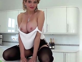 Brit Cougar Sonia Wants You To Jizz All Over Her