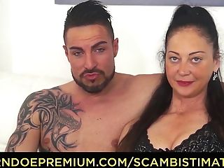 Scambisti Maturi - Large Titted Matures Fucked Rear End