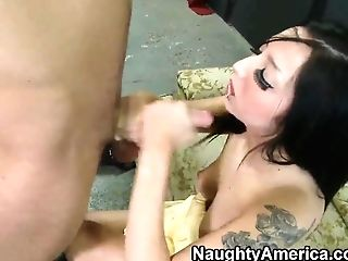 Nubile Weirdo Bitch Milla Mason Loves Massive Rods!