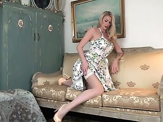 Torrid Mummy In Sexy Summer Sundress Danielle Maye Masturbates Raw Puss