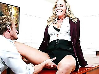 Brandi Love Gets Her Cunt Frigged By Ryan Mclane In The Office