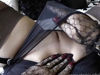Mummy Blonde Providing An Amazing Taunt And Bj