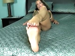 Goldie Blair Sexy Oiled Feet Foot Service And Toe-spreading
