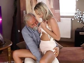 Old4k. Old Pedagogue Uses Chance To Make Love With Grateful Doll
