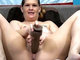 Chunky Dirty Talking Mummy Taz Masturbates Pierced Humid Gash