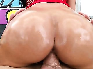 Well-packed Sexpot Katrina Jade Takes A Chance To Brag Of Her Booty And Give Bj