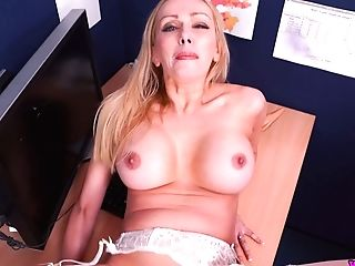 Hot Point Of View Scene Featuring Kinky Assistant Amber Jayne With Jizzed Mammories