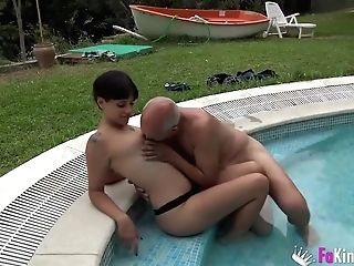 Amater Dark Haired, Vivi Sevilla Is Sucking A Strangers Dick In A Motel Room, Before Getting Fucked