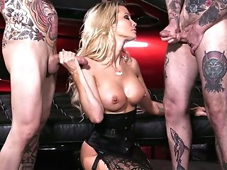 Two Cocky Dudes Fuck Both Fuck-holes Of Bodacious Elite Hooker Jessica Drake
