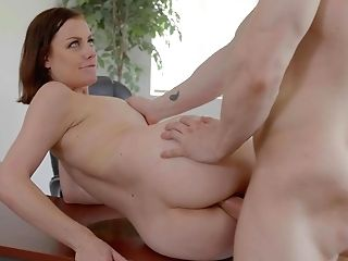 Sex-positive Wifey Sovereign Syre Is Cheating On Her Old Hubby With Youthful Clerk